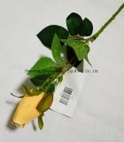 Fiore di seta di plastica artificiale singola Rosa sembrante reale con il piccolo germoglio per la decorazione domestica