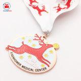 昇進のギフトの金属のクリスマスの装飾のシカメダル