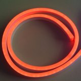 LED de color rojo Noen Cuerda flexible de luz decorativa de interiores y exteriores tira de luces.