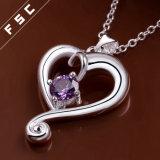 銀によってめっきされるロマンチックな中心の紫色の立方ジルコニアの絶妙な吊り下げ式のネックレス