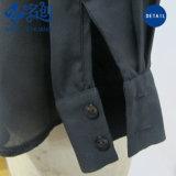 新式の黒く長い袖によってプリーツをつけられる緩い方法女性のブラウス