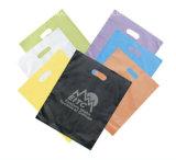 カスタムロゴデザインLDPE/HDPEキャリアのパンチ穴パッチのハンドルのプラスチックによって型抜きされる袋