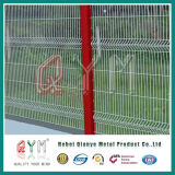 熱いすくい溶接されたワイヤー3Dパネルの/GalvanizedのPVCによって塗られる溶接された金網の塀