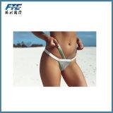 Le maillot de bain de femmes de vêtements de bain soulèvent le jeu de bikini