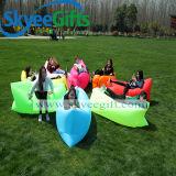 普及したキャンプのSlepingの不精な袋の膨脹可能な空気ソファーベッド