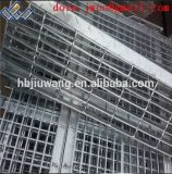 Escalier en spirale métal/ISO caillebotis marches de l'escalier dentelée