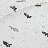 簡単なヨーロッパ式の印刷された綿の白いキルトにされた寝具毛布のCoverlet
