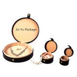 Rectángulo de empaquetado determinado de la joyería de cuero falsa negra redonda grande del regalo