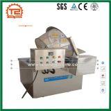 Máquina fritada e microplaquetas da galinha que fritam a máquina