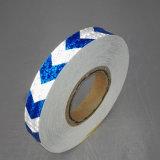 反射安全テープを示す白くおよび青カラー2.5cm自己接着矢印
