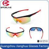 Lunetterie imperméable à l'eau antidérapage de recyclage populaire chaude de sport de lentilles de lunettes de soleil de femmes de Mens en gros