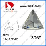 Forma de triángulo Cristal posterior plana Rhinestones (DZ-3069)