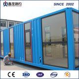 Het fantasierijke Huis van de Verschepende Container van het Ontwerp als Woonkamer met Badkamers