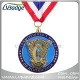 Il premio mette in mostra la medaglia del metallo del ricordo con il nastro