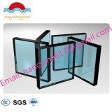 La construcción de off-line E baja el vidrio de ventana y puerta.