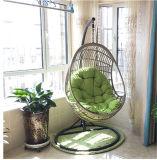 現代スリープの状態である家具の快適な振動ロッキングチェア