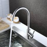 Voûte élevée robinet de bassin de barre de cuisine de bec d'émerillon de 360 degrés