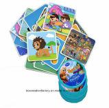 Crianças que aprendem os cartões de memória de papel/que jogam cartões de jogo