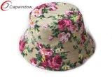 Букет из роз стиле с красивыми Red Hat ковша