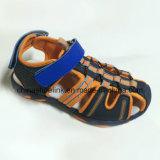 Sapatas populares de Axido das sandálias da praia dos miúdos