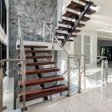Складывая лестницы металла чердака используемые лестницами для домов