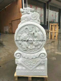 Weiße Marmorhand, die für Hauptdekoration/Kunstsammlung schnitzt