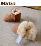 表面オーストラリアの二重Merino Lambskinの柔らかい赤ん坊のPrewalkerの靴
