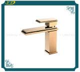 Faucet sanitário do dissipador da bacia da alavanca do aço inoxidável da alta qualidade único