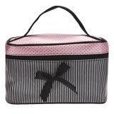 Comporre l'arco cosmetico del quadrato delle donne del sacchetto dei sacchetti barrato per comporre le migliori ragazze del regalo di caso