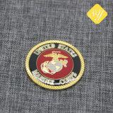 カスタム方法ロゴの金属のクラフトの柔らかいエナメルのバッジの金の銀の紋章の警察の機密保護のライオンのフラグの昇進のギフトのための軍の長い針の折りえりPin
