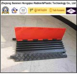 De zwarte & Gele Dekking van de Bescherming van de Kabel van 3 Kanalen van Pu Plastic Fixable