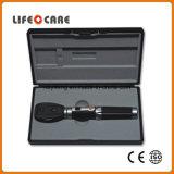 Insieme medico diagnostico portatile dell'oftalmoscopio