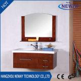 Cabina de cuarto de baño de madera sólida de la pared del diseño moderno con el espejo