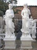 Il bianco puro di marmo condice le statue