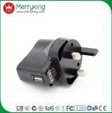 O carregador colorido 5V 2.1A do USB do carro da venda quente vende por atacado para o carregador do telefone de pilha