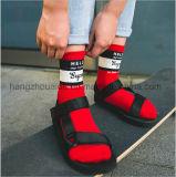 Klare Farben-Form-kühle junger Mann-Baumwollkleid-Socke