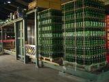 يشبع آليّة زجاجة [دبلّتيزر] لأنّ [مينرل وتر] [برودوكأيشن لين]