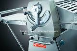 Massa de pão torrada Sheeter do estilo do europeu da máquina 520mm
