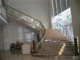 Escadaria do Teak da madeira contínua do PVC com vidro Tempered grosso de 12mm