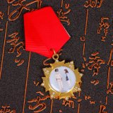 Celebración de los Emiratos Árabes Unidos personalizado insignia de solapa Venta caliente
