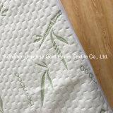 A tela de bambu do jacquard da fábrica 250GSM de BSCI com TPU Waterproof o protetor do colchão