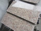 G603の薄い灰色か暗い灰色か黒くまたは白い磨かれたか砥石で研がれたか、または炎にあてられた花こう岩の平板かタイルまたは立方体またはカウンタートップ階段