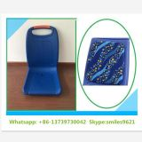 Asiento de autobús de plástico azul con acolchado de cuero