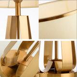 Moderne dekorative Metalltisch-Schreibtisch-Licht-Lampe für Hotel-Kopfende-/Living-Raum im antiken Pinsel-Messing