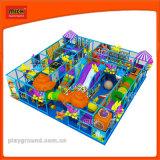 campi giochi morbidi dell'interno del campo da giuoco dei bambini variopinti delle strumentazioni per i giochi