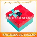 Punkt-beugen UVfirmenzeichen-Papier-Geschenk-Sammelpacks mit Farbband en gros (BLF-GB485)