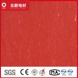 明るく赤いVctのタイル張りの床2mm Nmv44