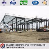 De Bouw van de Structuur van het staal voor Pakhuis met de Garage van het Staal
