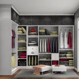 Camera da letto Wardrobes di Bck per Walk in Styles (melammina finita)