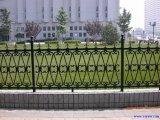 錬鉄の鋼鉄庭の塀